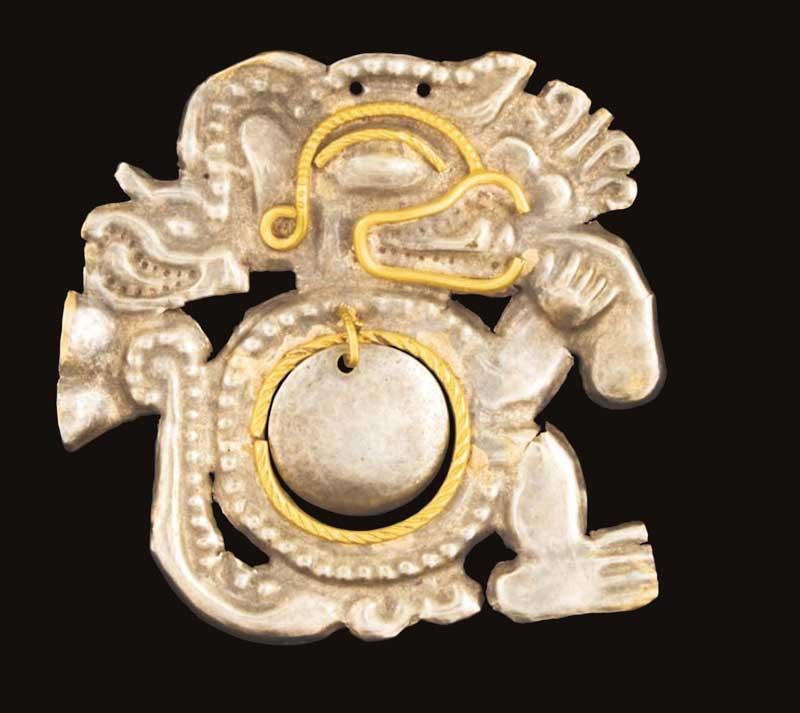 Platina og gull objekt, La Tolita kulturen, Ecuador.